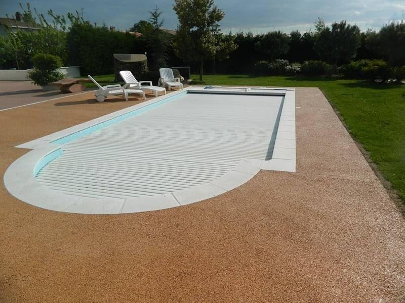 Pavimentos de piscinas permosol 5 pavimentos pavipor for Pavimentos para piscinas